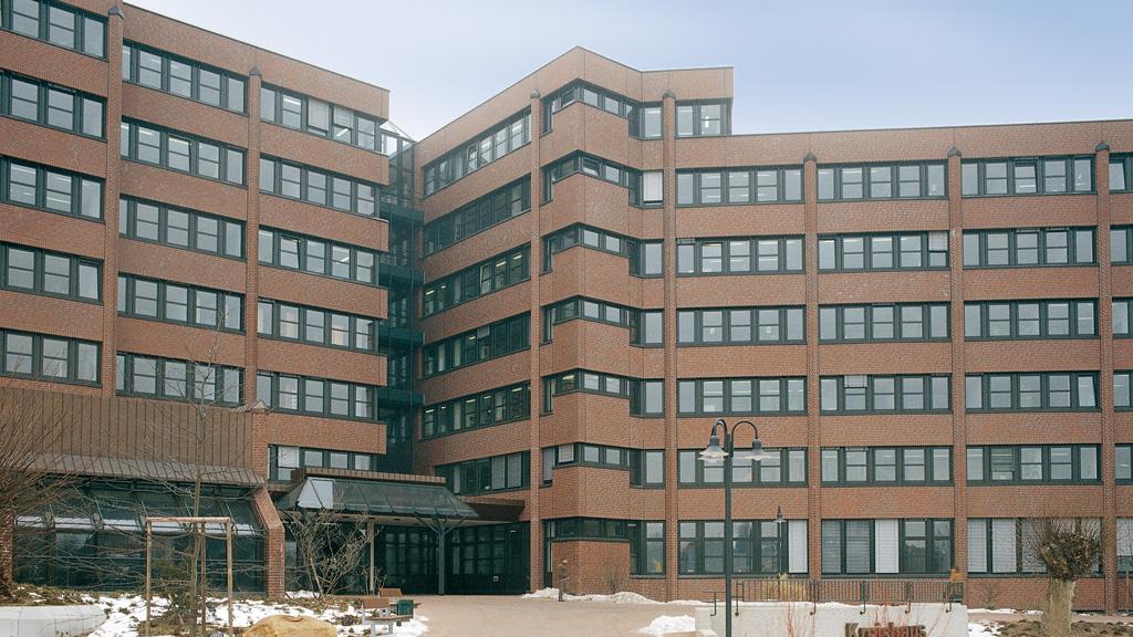 03-02---facade
