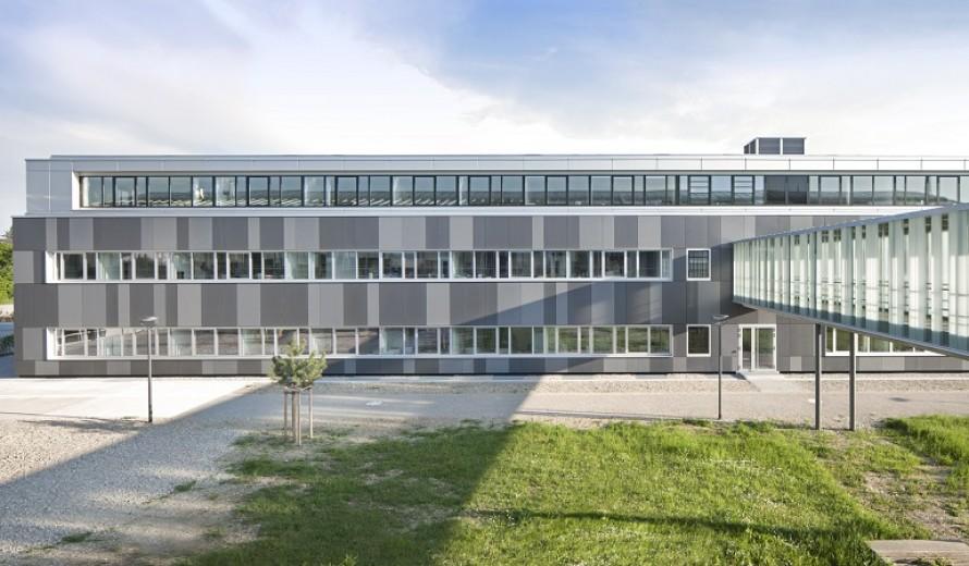 verwaltungsgebaeude-augsburg-05
